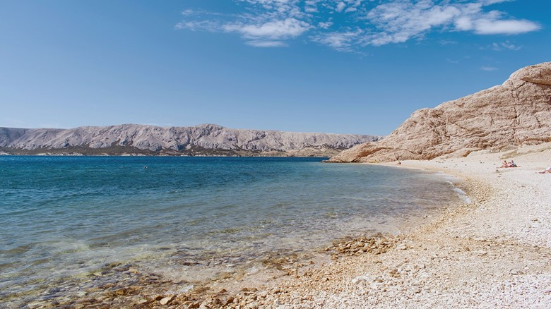 https://www.campnavisnovalja.com/EasyEdit/UserFiles/News/the-beautiful-beritnica-beach-on-the-island-of-pag/the-beautiful-beritnica-beach-on-the-island-of-pag-637121899355486395_780_439.jpeg